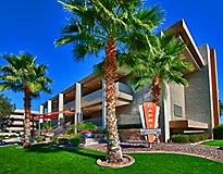 Phoenix, AZ Apartments - Capri on Camelback Apartments, A Greystar Avana Community
