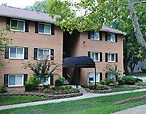 Columbia, MD Apartments - Verona at Oakland Mills Apartments