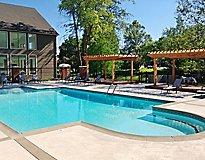 Louisville, KY Apartments - Park Laureate Apartments