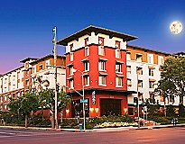 Woodland Hills, CA Apartments - The Pointe at Warner Center