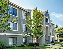 Waterside at Reston Apartments
