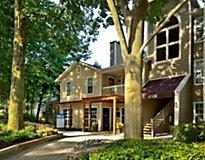 Fairfax, VA Apartments - Windsor at Fair Lakes, A Greystar Avana Community