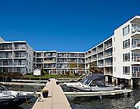 Avana on the Lake Apartments