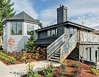 Everett, WA Apartments - Hangar 128 Apartment Homes