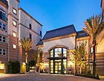 Irvine, CA Apartments - Carlyle Apartments
