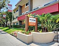 Los Angeles, CA Apartments - Madrid Apartments