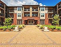 Matthews, NC Apartments - Fountains Matthews Apartments