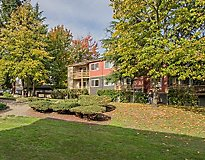 Federal Way, WA Apartments - Rainier Meadows Apartments