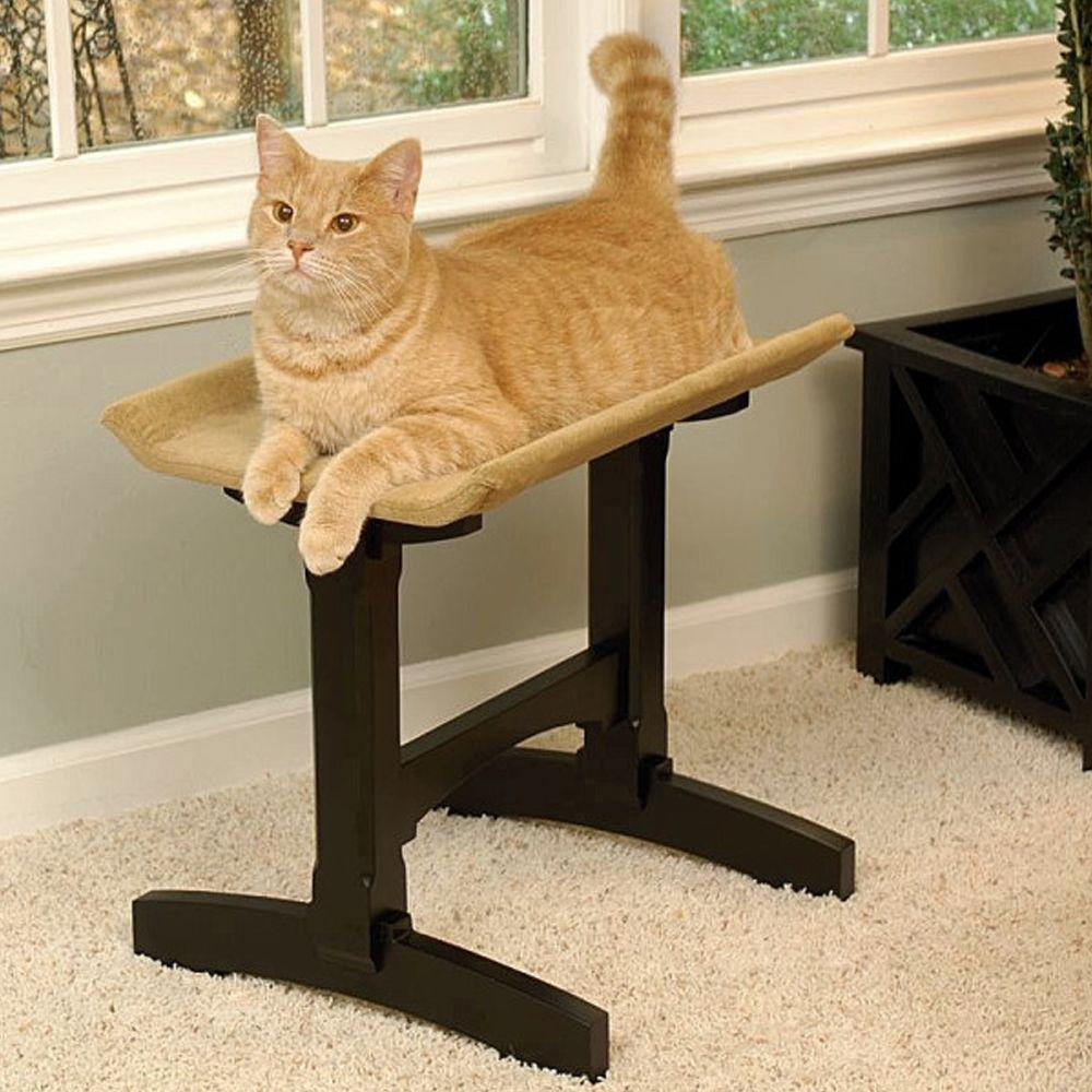 Mr. Herzhers Cat Perch Mr. Herzhers