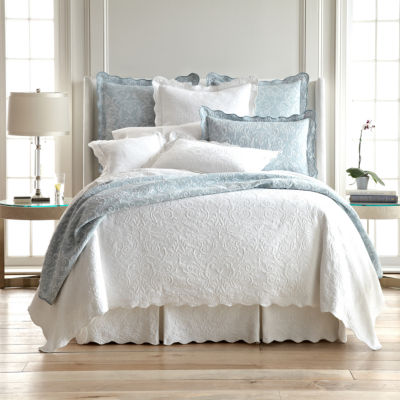 royal velvet coralie damask matelass coverlet