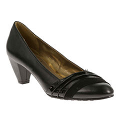 Soft Style® by Hush Puppies Danette Pumps