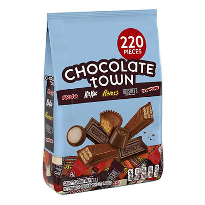 Hershey's Chocolate Town Favorites Candy Assortment, 220 ct.