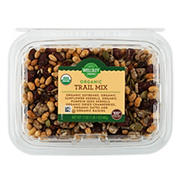 Wellsley Farms Organic Trail Mix, 17 oz.