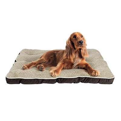 "Berkley Jensen 29"" x 39"" Deluxe Plush Pet Bed - Assorted"
