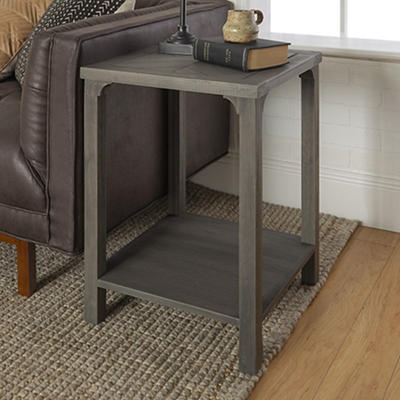 """W. Trends Traditional 18"""" Solid Wood Side End Table - Gray"""