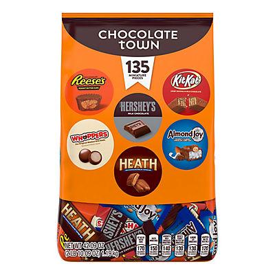 Hershey's Chocolate Town Variety Pack, 135 ct.
