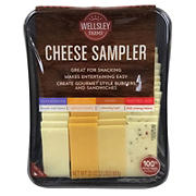Wellsley Farms Signature Cheese Sampler, 32 oz.