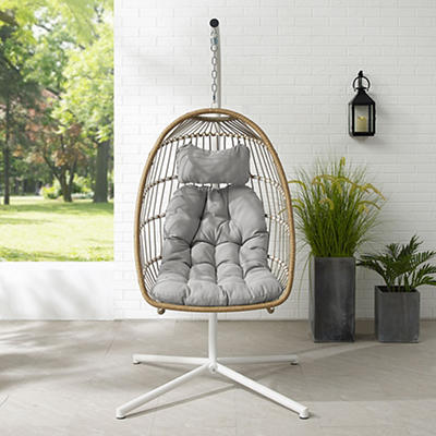 W. Trends Swinging Wicker Outdoor Egg Chair with Tufted Cushion