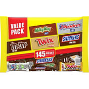 Snickers, M&M's, Twix and More Bulk  Chocolate Halloween Candy, 145 ct.