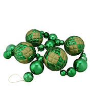 Northlight 6' Shiny Green Shatterproof Christmas Ball Garland with Gold Glitter Accents