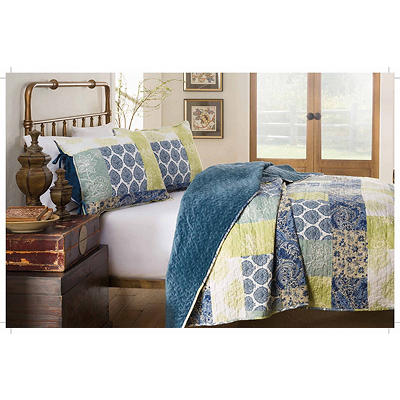 214 West King-Size Velvet Quilt Set