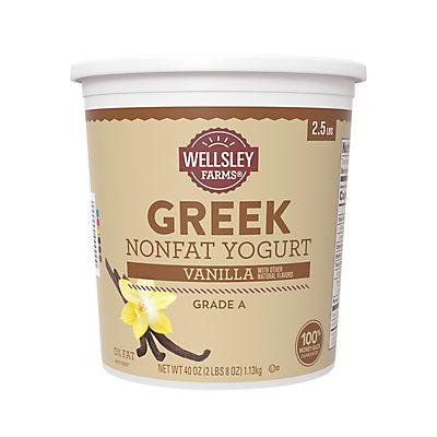 Wellsley Farms Nonfat Grade A Naturally-Flavored Vanilla Greek Yogurt,