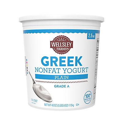 Wellsley Farms Plain Nonfat Greek Yogurt, 40 oz.